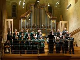 Der Leipziger Synagogalchor widmet sich intensiv und engagiert der Pflege jüdischer Musik. Die 35 Sängerinnen und Sänger – sämtlich Nichtjuden – bringen seit der Chorgründung 1962 jene Musik auf die Konzertpodien der Welt, die ihre Vorfahren beinahe vollständig vernichtet hätten.