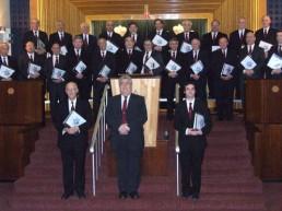 Die London Cantorial Singers wurden 1995 von Ian Lyons gegründet. Der Chor interpretiert einst populäre, heute eher rar gewordene Synagogalmusik - möglichst dicht an der Originalversion des Komponisten.
