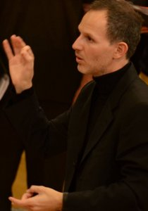 ODED SHOMRONY earned his master's degree in conducting from the Jerusalem Academy of Music, where he studied with Dr. Yevgenii Zirlin, Prof. Mendi Rodan and Aaron Harlap.